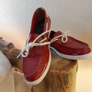 Red Cole Hanns flats